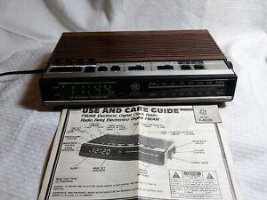 Vintage GE General Electric 7-4638A Woodgrain Digital Alarm Clock Radio WORKS