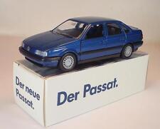 Schabak 1/43 Volkswagen VW Passat Stufenheck blaumetallic in Werbebox #2138