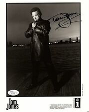 Tom Jones Hand Signed 8x10 Photo Amazing Pose Music Legend Jsa