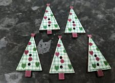 5 x CHRISTMAS TREE SHAPED BUTTONS Size approx 20mm x 15mm ~ CRAFT//CHILDREN