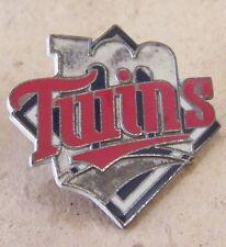 Minnesota Twins diamond lapel pin c27986 heavy damage