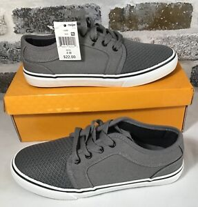 Falls Creek ~ Boys Size 4 Gray Canvas Lace-Up LIAM Shoes NIB