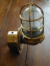 AUTHENTIQUE LAMPE DE MARINE EN LAITON - APPLIQUE Modifiée électricité