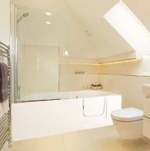 Cirrus Reverso walk in bath, 1695mm, right hand door. INC END PANEL & DELIVERY!