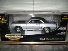 1 18 ERTL ELITE 1969 CHEVY CAMARO Z/28 CORTEZ SILVER W/BLACK VINYL TOP & STRIPES