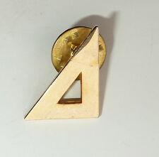 Billards Rack Gold Tone Lapel Hat Pin