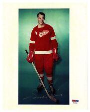"Gordie Howe portrait photo as ""Alternate Captain""-very RARE Photo w/fac sig."