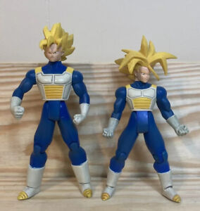 Lot of 2 Dragon Ball Z The Saga Continues Figures from 2001 - Irwin FUN