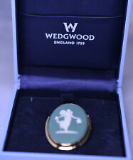 VINTAGE TEAL GREEN LARGE OVAL WEDGWOOD PSYCHE CAMEO PIN MADE IN ENGLAND ORIG BOX