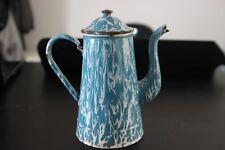 Ancienne cafetière en tôle émaillée, enameled coffee pot