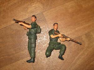 1/18 Platoon Figure  21st Century Toys Lot of 2