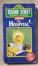 Sesame Street VISITS THE HOSPITAL Vhs Video Tape 1990 Jim Henson Muppets CTW
