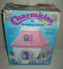 #10134 RARE NIB Vintage Hasbro Charmkins Jewelry House with Blossom & Lil Tulip