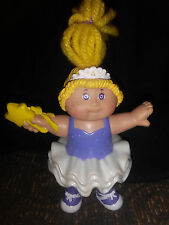 VTG. 1992 O.A.A. CABBAGE PATCH PVC FIGURINE GIRL IN A TUTU HOLDING A STAR