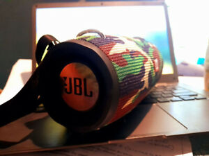 JBL Xtreme 2 portable Bluetooth BT speaker (Camo)