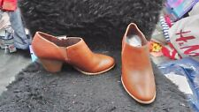 NWT DR SCHOLL'S WOMENS WESTERN SHOOTIE BOOTIES SCHOES BROWN 10