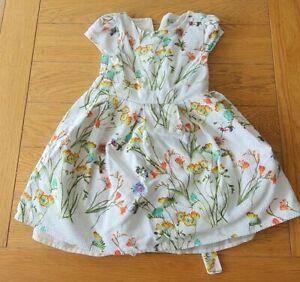 Girls White floral Skater dress 3-4yrs old(98-104cm) Pre-owned