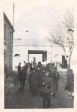 gefangene Soldaten gehen in Gefangenschaft Balkanfeldzug