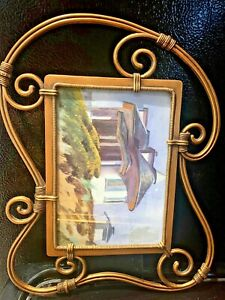"""Vintage  Picture/ Photo  Frame Gold, Metal ( Brass?) 11 1/2"""" x 8 1/2"""" (7' X 5"""" )"""