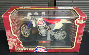 NEW RAY Honda XR 400R Dirt Bike 1:6 Scale Diecast Model