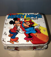 💴VINTAGE WALT DISNEY MICKEY MOUSE SKATING PARTY TIN LUNCH BOX WITH HANDLES💴