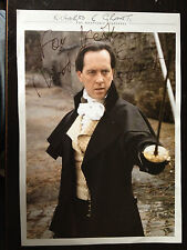 RICHARD E GRANT - TOP ACTOR - EXCELLENT SIGNED MAGAZINE PHOTO