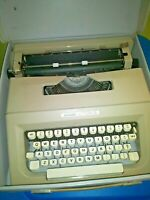 Vintage Olivetti Typewriter Portable Lettera 25 with Carrying Case