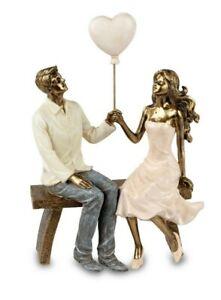Moderne Deko Figur Liebespaar auf Bank mit Herz Luftballon Antik-gold formano