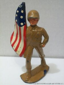 Vintage Manoil 45/7 WWII US Flag Bearer Lead Figure Lead Dimestore Toy Soldier