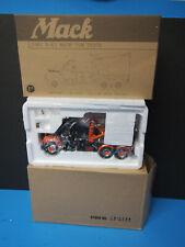 First Gear 19-2233 First Gear Tow Truck 1960 B-61 Township Of Spring