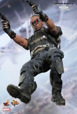 """Sideshow Hot Toys 12"""" 1/6 MMS245 Captain America Winter Soldier Falcon Figure"""