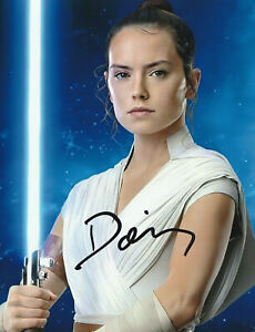 Daisy Ridley  Star Wars  Autograph signed with COA