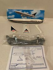 DELTA AIRWAYS BOEING 767-200  Plastic Desktop Model Boxed Flight Miniatures
