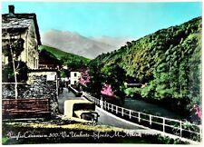 Cartolina Issiglio Canavese m. 500 - Via Umberto - Sfondo m. Marzo Viaggiata