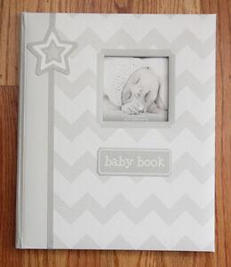 Pearhead L'il Peach Baby Memory Book~Gray & White Chevron~Free Priority Shipping