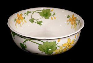 Beautiful Villeroy Boch Geranium Serving Bowl