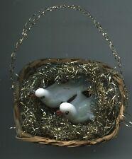Alt Weihnachtsschmuck Christbaumschmuck 2 süße Milchglas Tauben Täubchen im Korb
