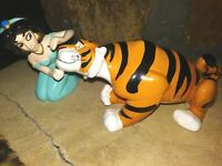 JASMINE WITH RAJAH, SCHMID VINTAGE HAND GLAZED CERAMIC,DISNEY ALADDIN, NEW MINT