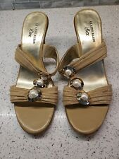 New Anne Klein Flex Tan Leather Sandals Heels Pearl Accents Sz 9.5