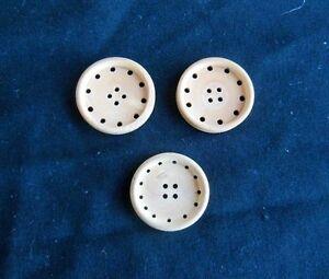 Anciens gros boutons en bois - couture, mercerie