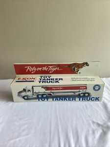 Exxon toy tanker truck rely on the tiger 1/32 scale