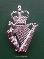 THE ROYAL IRISH REGIMENT BERET BADGE (TKS)