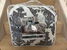 Jaclyn Smith 5 Piece Comforter Set Antique Scroll King Black White