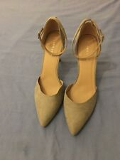 New Look Women Suede Light Grey Heels Size 8/41 (36B)
