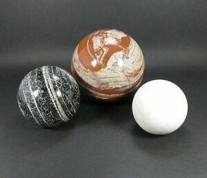 Konvolut von 3 Stück Steinkugeln, Jaspis und Marmor, wunderbare Dekostücke