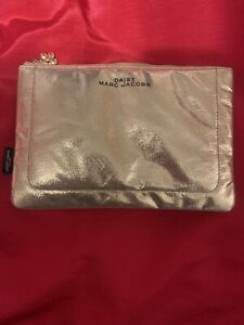 Daisy Marc Jacobs Beauty Pouch Makeup Bag Gold Accent New !