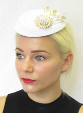 White Gold Feather Pearl Pillbox Hat Fascinator Headpiece Hair Races Vintage 453