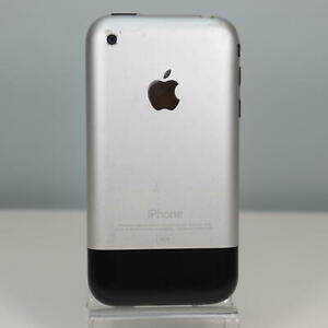 Apple iPhone 1st Generation (4GB) AT&T Smartphone (A1203-10)