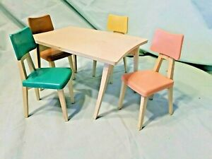 TABLE 4 CHAIRS Barbie Reading Deluxe DREAM KITCHEN Furniture
