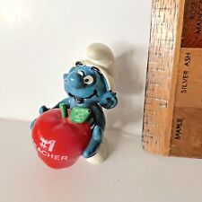 VINTAGE 1981 #1 TEACHER SMURF WITH RED APPLE  PVC SCHLEICH FIGURE PEYO HONG KONG